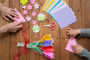 5 Great Ways to Keep your Children Busy with Fun Arts and Crafts Activities while at Home.